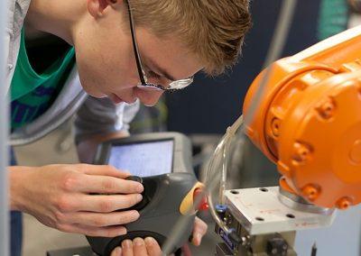 """BeST """"Erleben, Entdecken, Entwickeln – der Industrieroboter"""" ("""